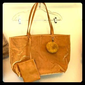 Handbags - Gold velvet tote